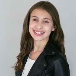 Layla Mopsick Acting headshot
