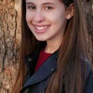 Layla Mopsick headshot